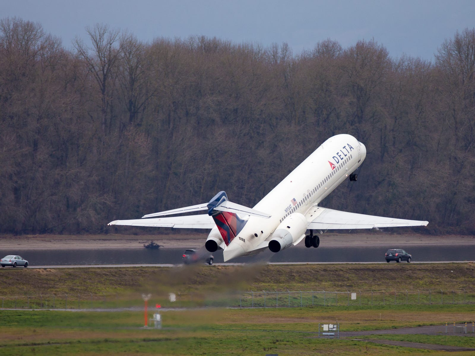 A Delta Air Lines Boeing 717 takes off from Portland International Airport in December 2018.