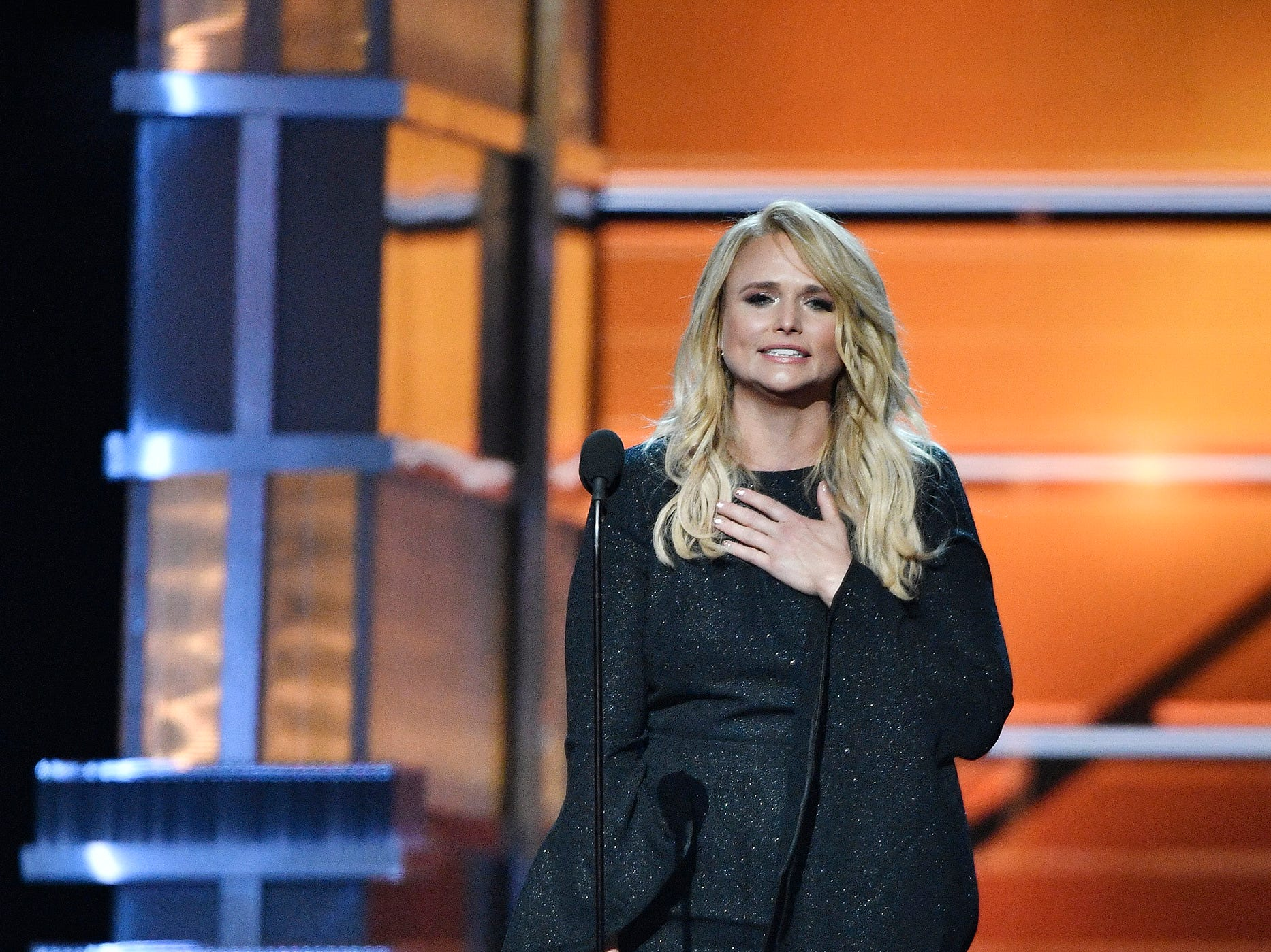 Miranda Lambert accepts her award for female vocalist of year during the 53rd Academy of Country Music Awards at the MGM Grand Garden Arena Sunday, April 15, 2018, in Las Vegas. ORG XMIT: TNNAT (Via OlyDrop)