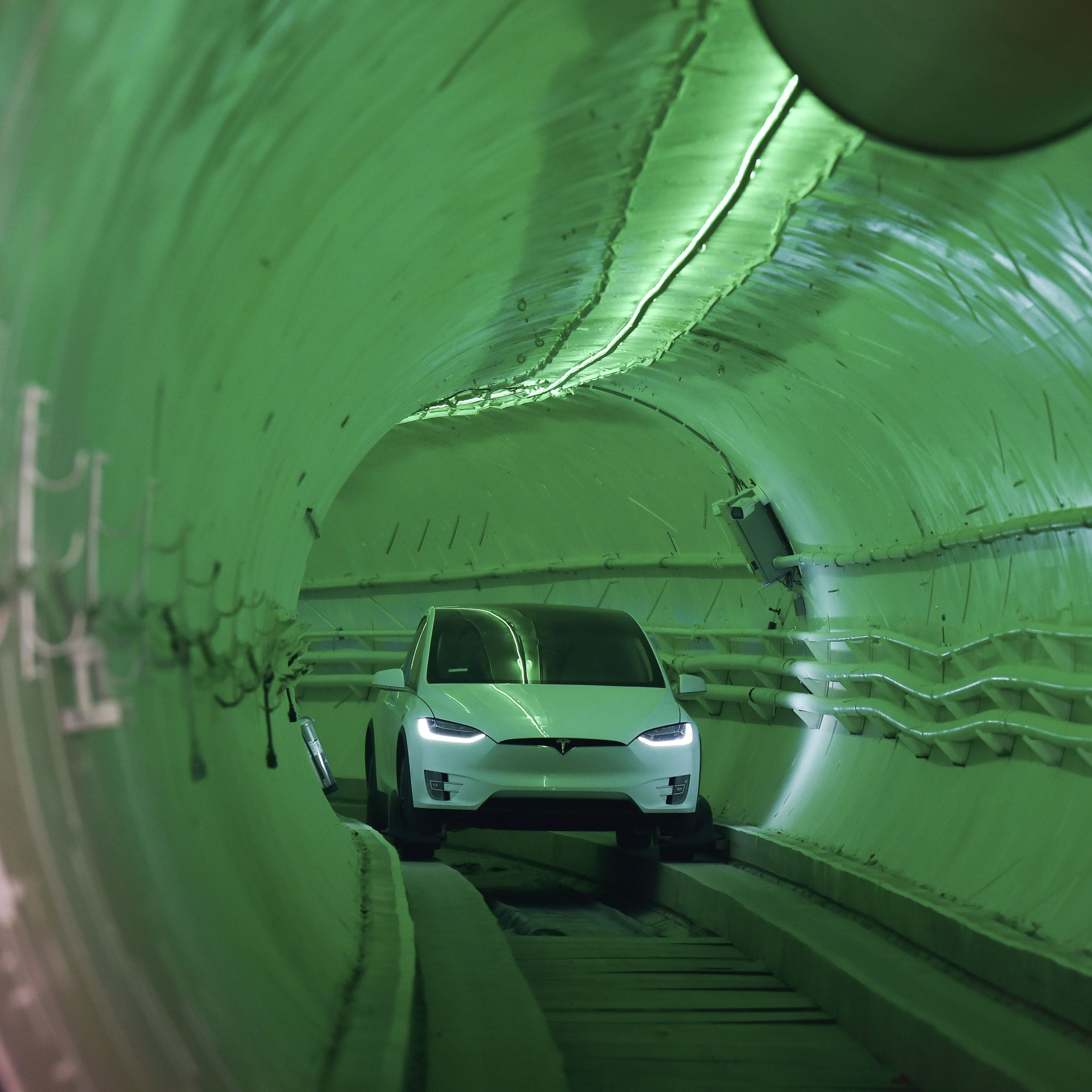 Giant tunnels underneath Las Vegas? Elon Musk wants them, and so does the city