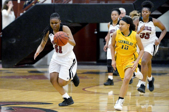Asheville hosted Reynolds in basketball on Jan. 4, 2019.