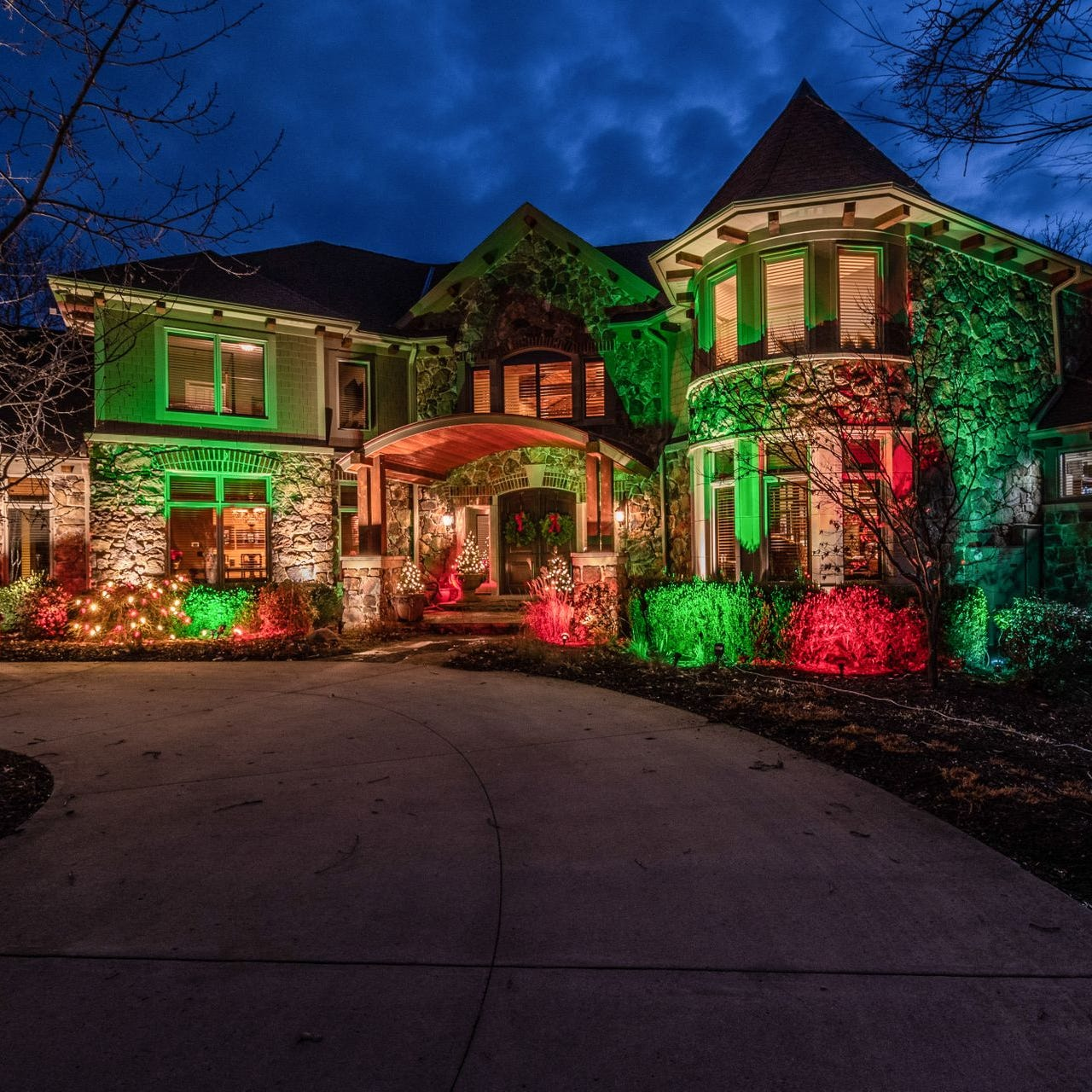 Mansion Monday: Massive Urbandale home lists for nearly $2M