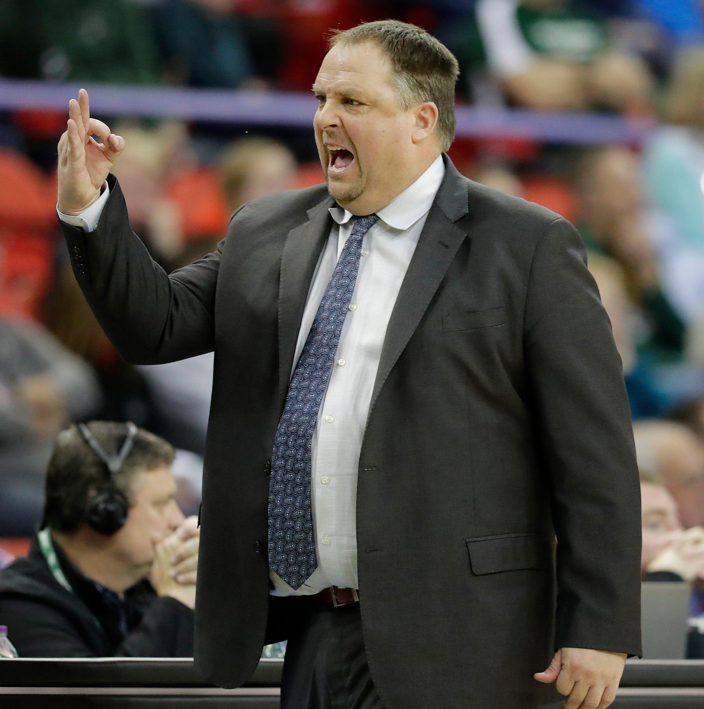 UWGB men: Phoenix drops third straight