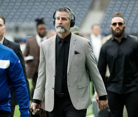 Houston, are you seeing this? Reich and his beard arrive to play the Texans.