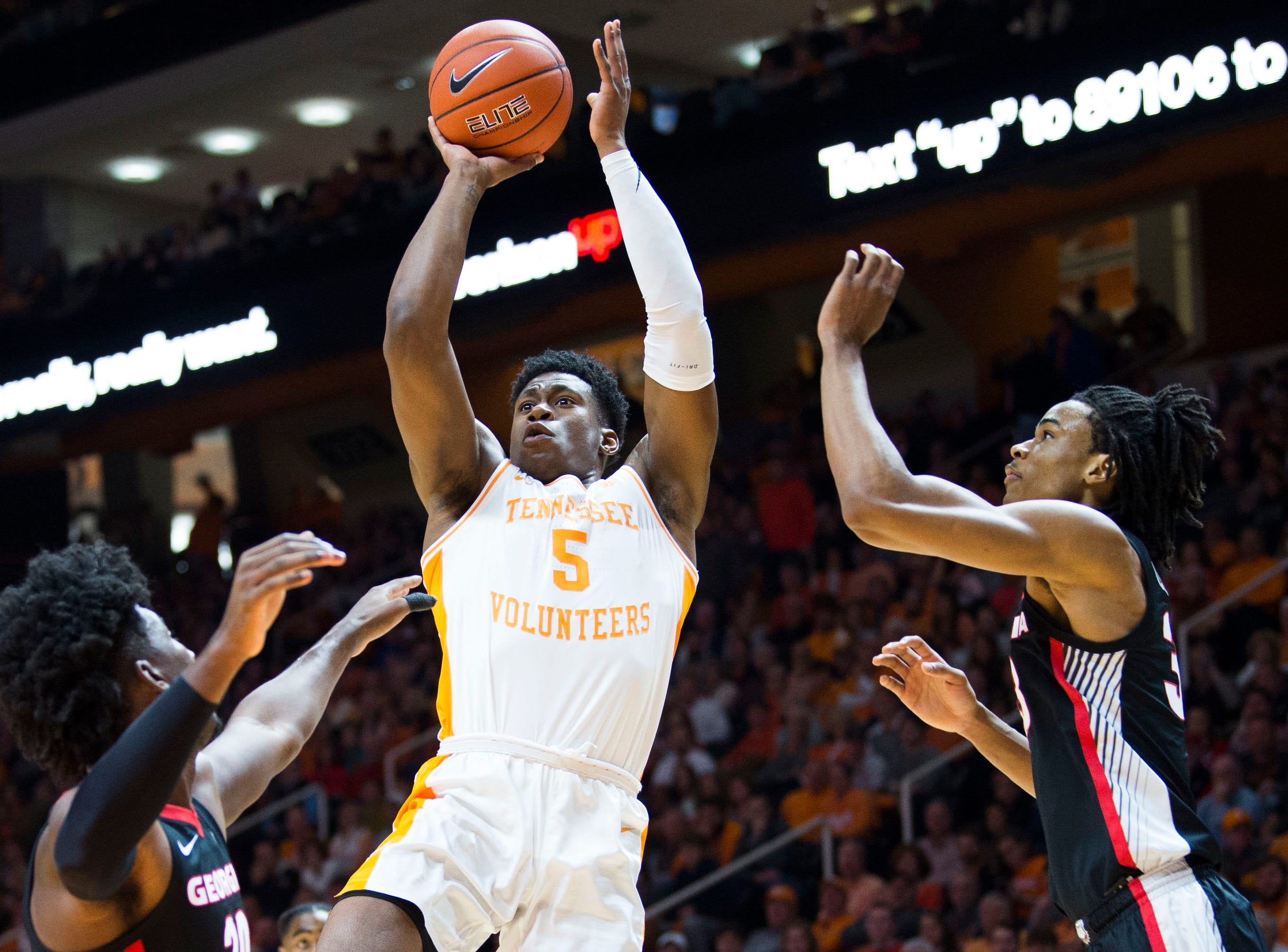 Tennessee's Admiral Schofield (5) takes a shot during a college basketball game between Tennessee and Georgia at Thompson-Boling Arena Saturday, Jan. 5, 2019.