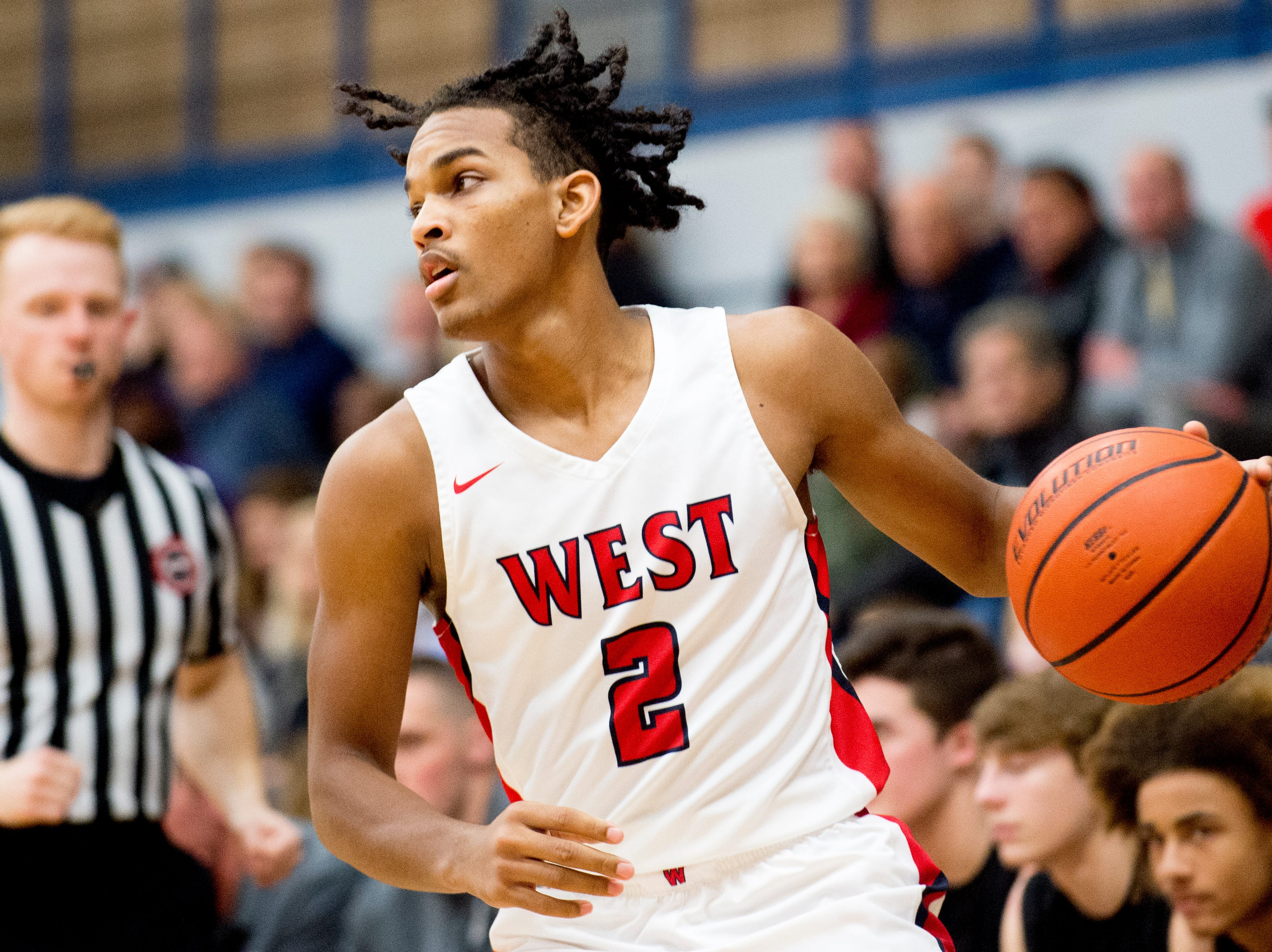 West's Cedarius Bost (2) looks to pass during a game between West and Webb at West High School in Knoxville, Tennessee on Friday, January 4, 2019.