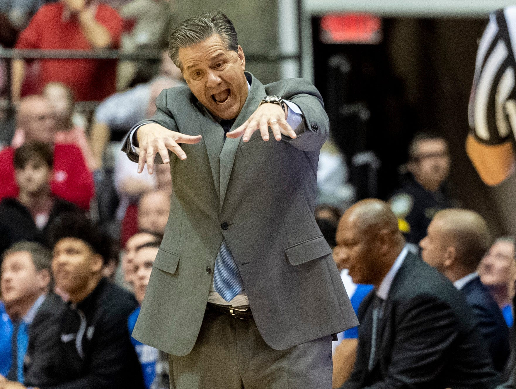 Kentucky head coach John Calipari argues a call with the referee during the second half of an NCAA college basketball game against Alabama, Saturday, Jan. 5, 2019, in Tuscaloosa, Ala.