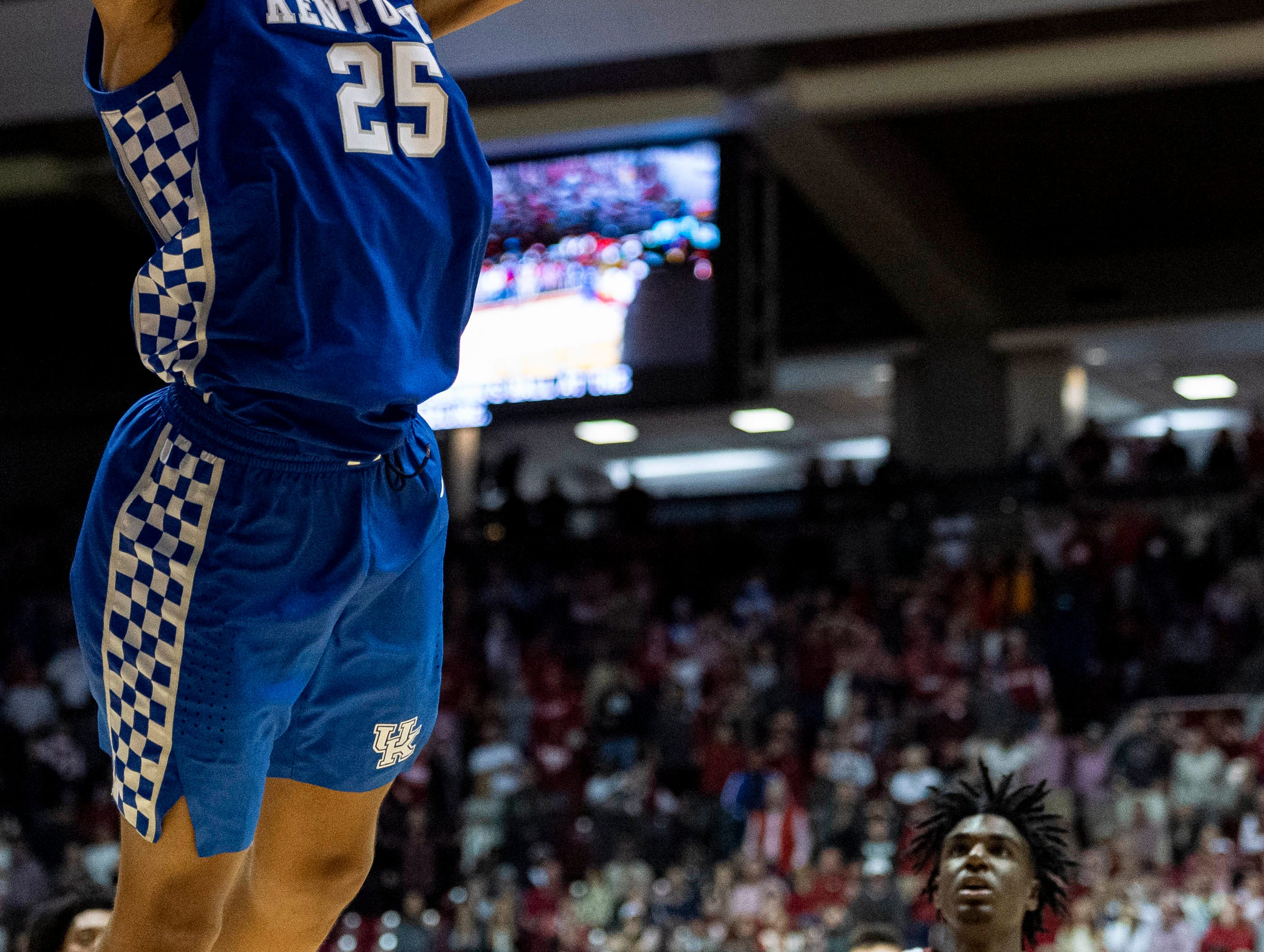 Kentucky forward PJ Washington (25) slams two points against Alabama during the second half of an NCAA college basketball game, Saturday, Jan. 5, 2019, in Tuscaloosa, Ala.