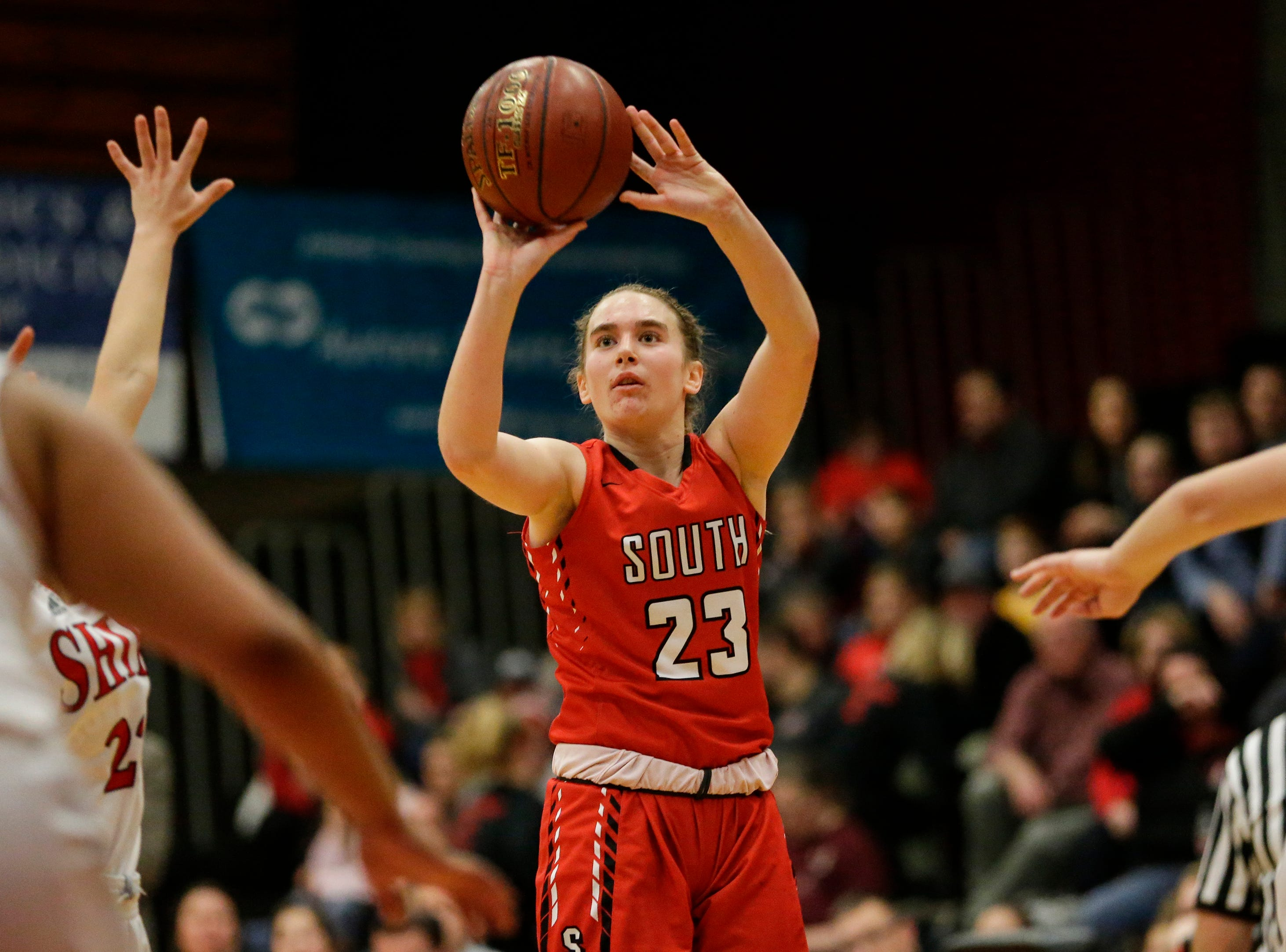 Sheboygan South's Halle Boldt shoots against Manitowoc Lincoln during an FRCC matchup at Manitowoc Lincoln High School Friday, January 4, 2019, in Manitowoc, Wis. Joshua Clark/USA TODAY NETWORK-Wisconsin