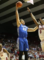 Jan 5, 2019; Tuscaloosa, AL, USA; Kentucky Wildcats forward Reid Travis (22) shoots against Alabama Crimson Tide forward Donta Hall (0) during the first half at Coleman Coliseum. Mandatory Credit: Marvin Gentry-USA TODAY Sports
