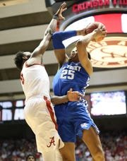 Jan 5, 2019; Tuscaloosa, AL, USA; Kentucky Wildcats forward PJ Washington (25) shoots against Alabama Crimson Tide forward Donta Hall (0) during the first half at Coleman Coliseum. Mandatory Credit: Marvin Gentry-USA TODAY Sports