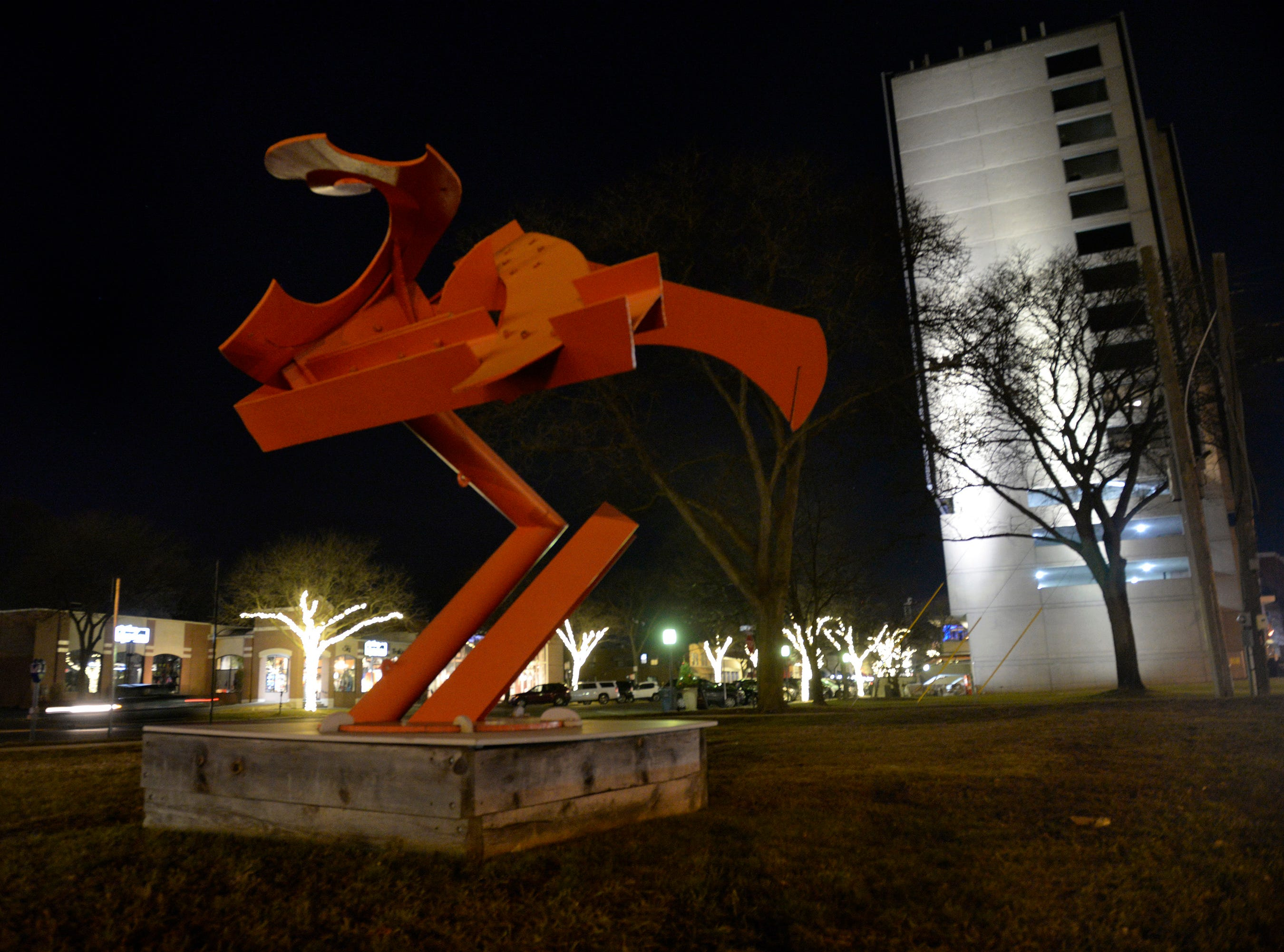 Choopy by Mark di Suvero along Old Woodward just south of the 555 Building.
