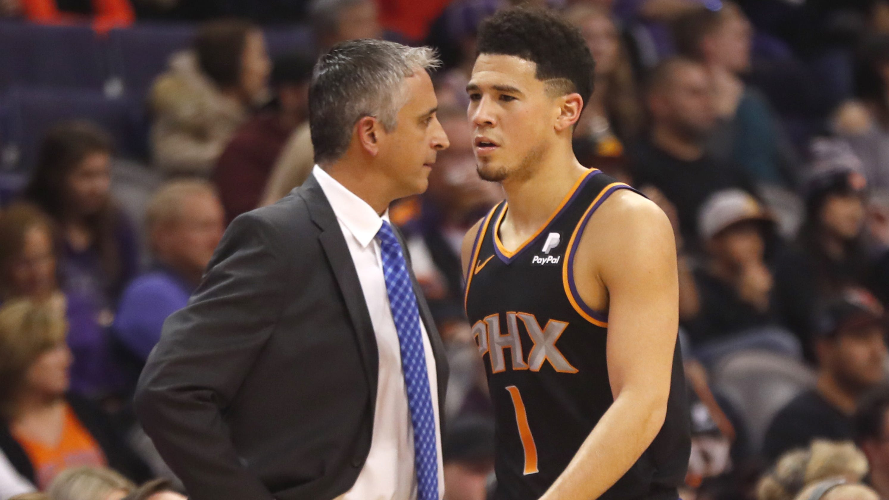 00c5aeb7874 Booker sees  very long season  for Suns if poor play continues after loss  to L.A. Clippers