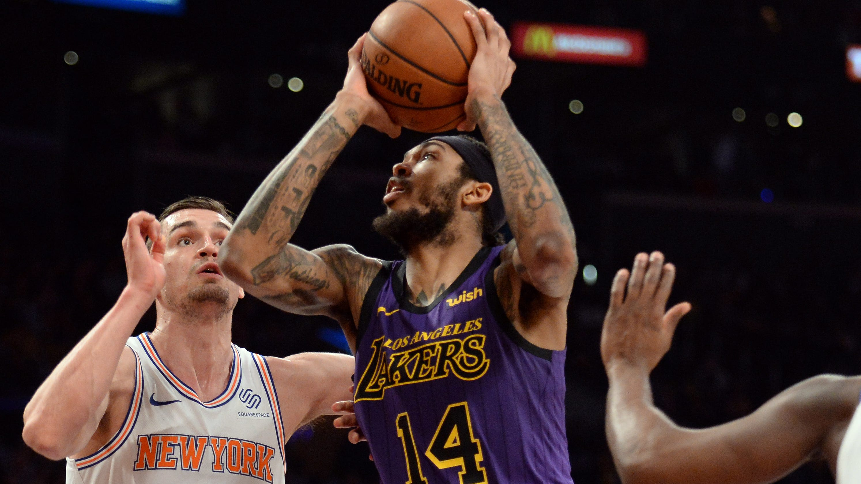 ab9848989933 Lakers wilt late against Knicks and fall to 1-4 without LeBron James