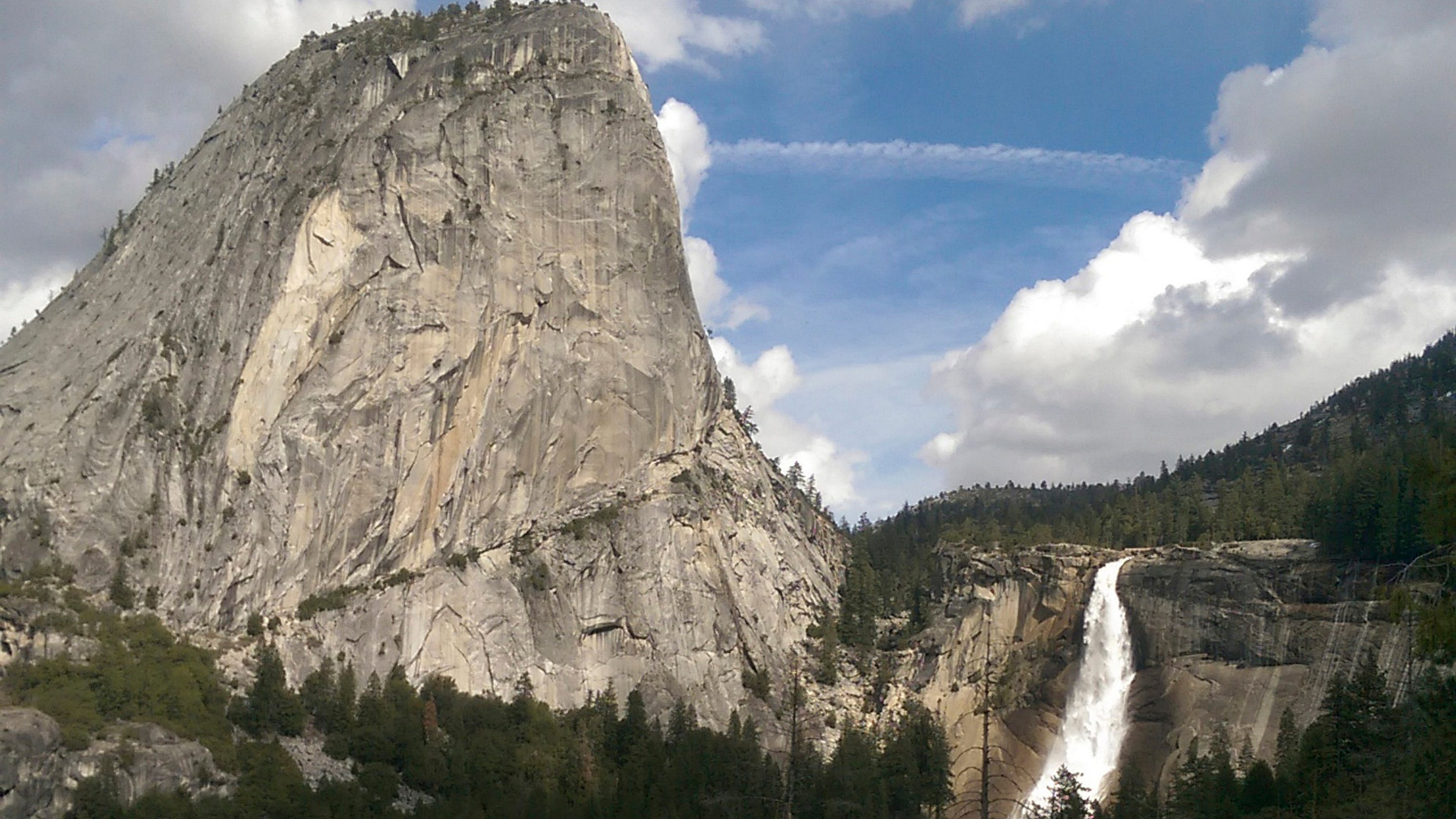 Man died in Yosemite on Christmas Day amid government shutdown