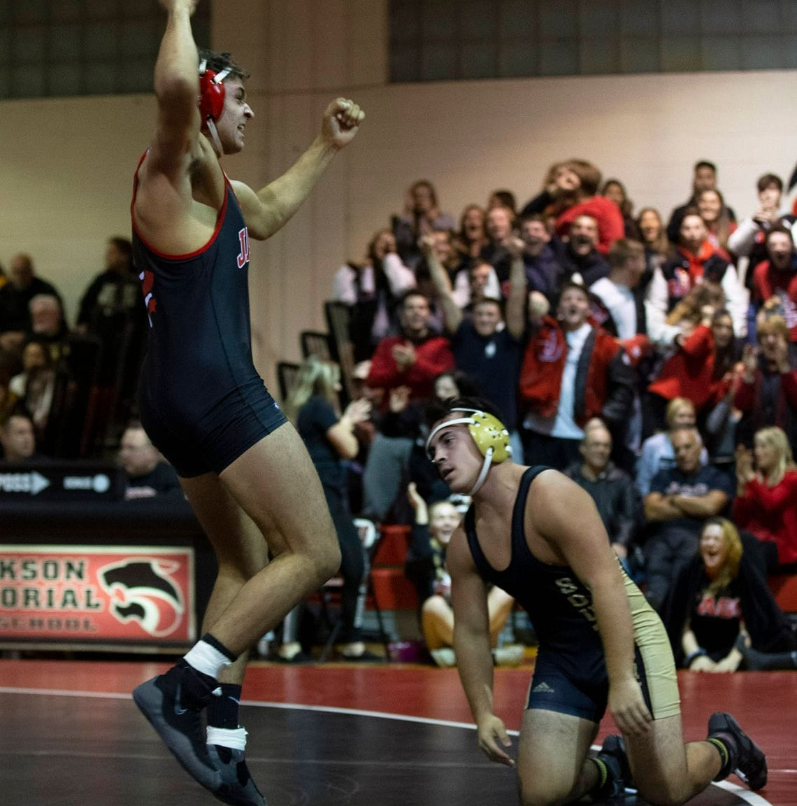 NJ wrestling: Kyle Epperly, Dean Peterson win titles at Sam Cali Tournament