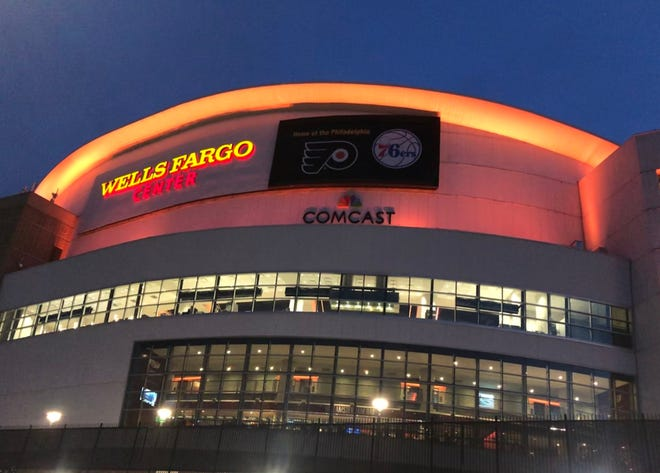 The Flyers will try to make it four straight wins when they take meet the Tampa Bay Lightning Tuesday night.