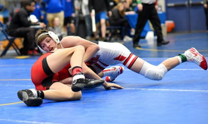 Cooper Leszczuk gains the upperhand in the 120lb class title match at the 2019 Bob Kearns Madeira Invitational, January 5, 2019.