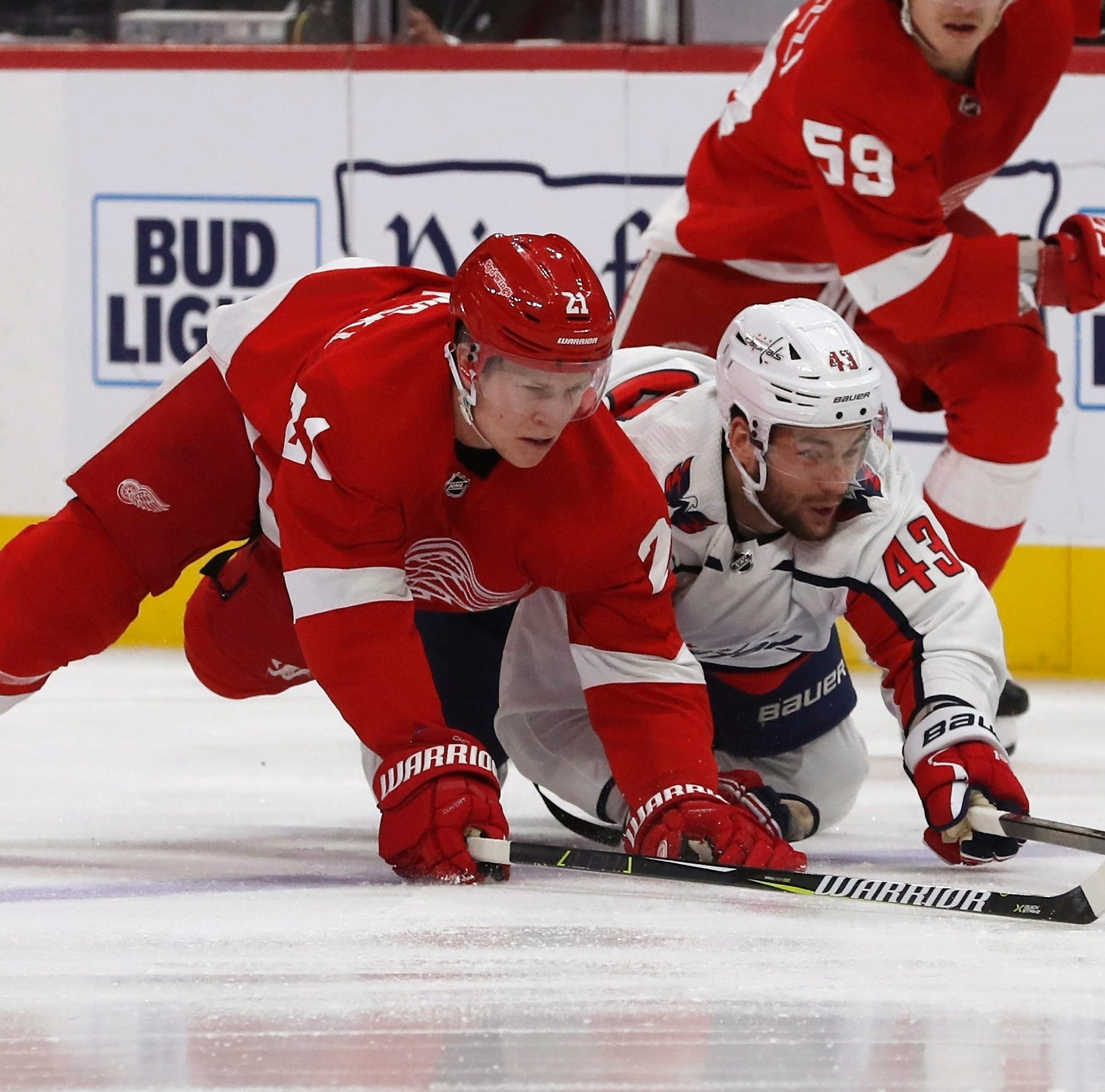Late goal sinks reeling Red Wings in loss to Capitals