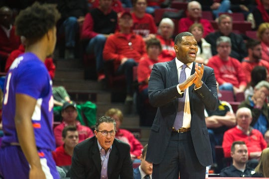 Evansville head coach Walter McCarty encourages his team during their Missouri Valley Conference game against Illinois State on Saturday, Jan. 5, 2019, at Redbird Arena in Normal, Ill. Illinois State won, 58-46.