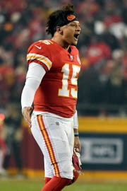 Kansas City Chiefs quarterback Patrick Mahomes (15) leaves the game during the second half of an NFL football game against the Oakland Raiders in Kansas City, Mo., Sunday, Dec. 30, 2018. (AP Photo/Ed Zurga)