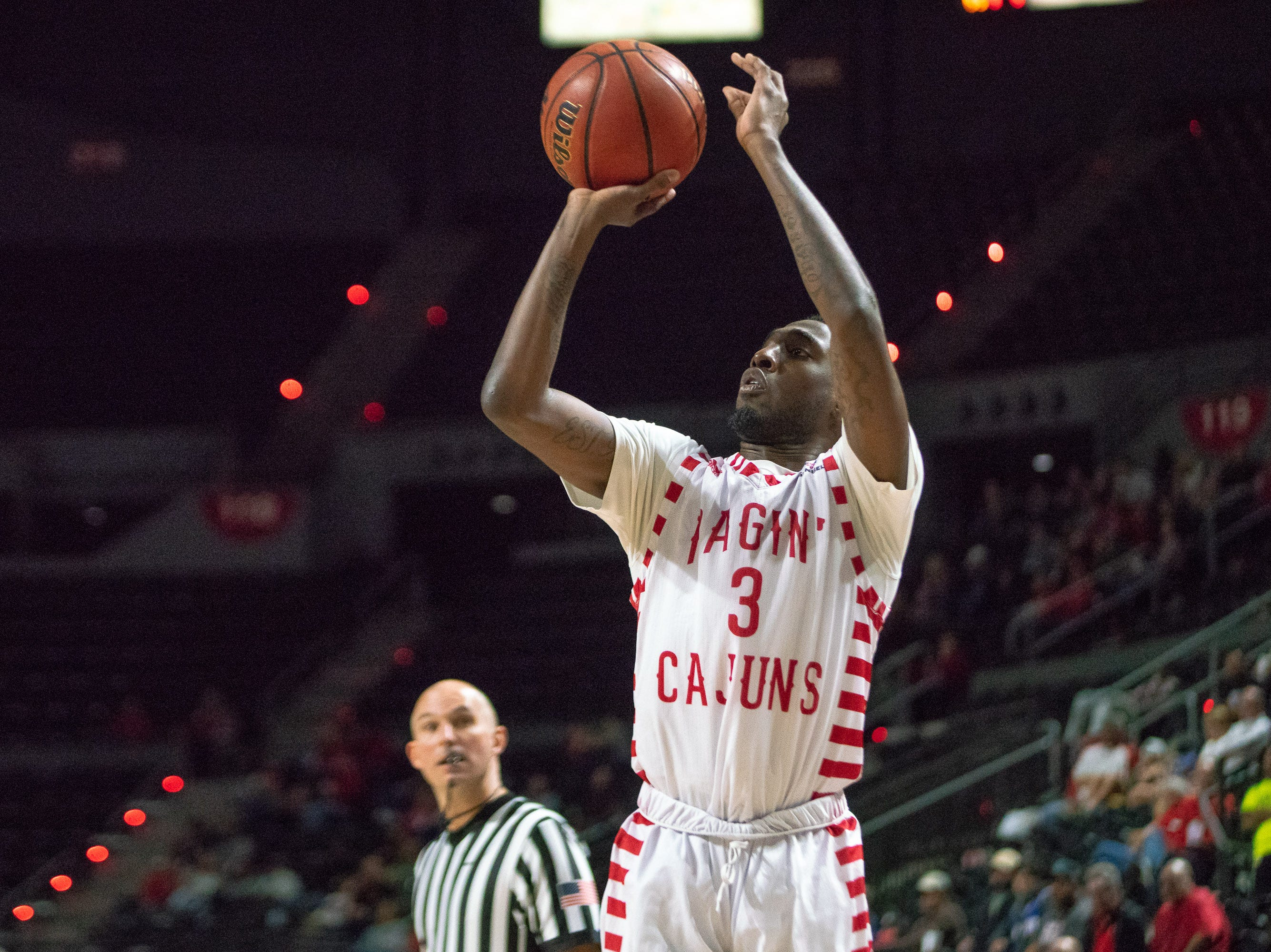 UL's Jeremy Hayes shoots the ball during the play as the Ragin' Cajuns take on the Little Rock Trojans at the Cajundome on January 5, 2019.