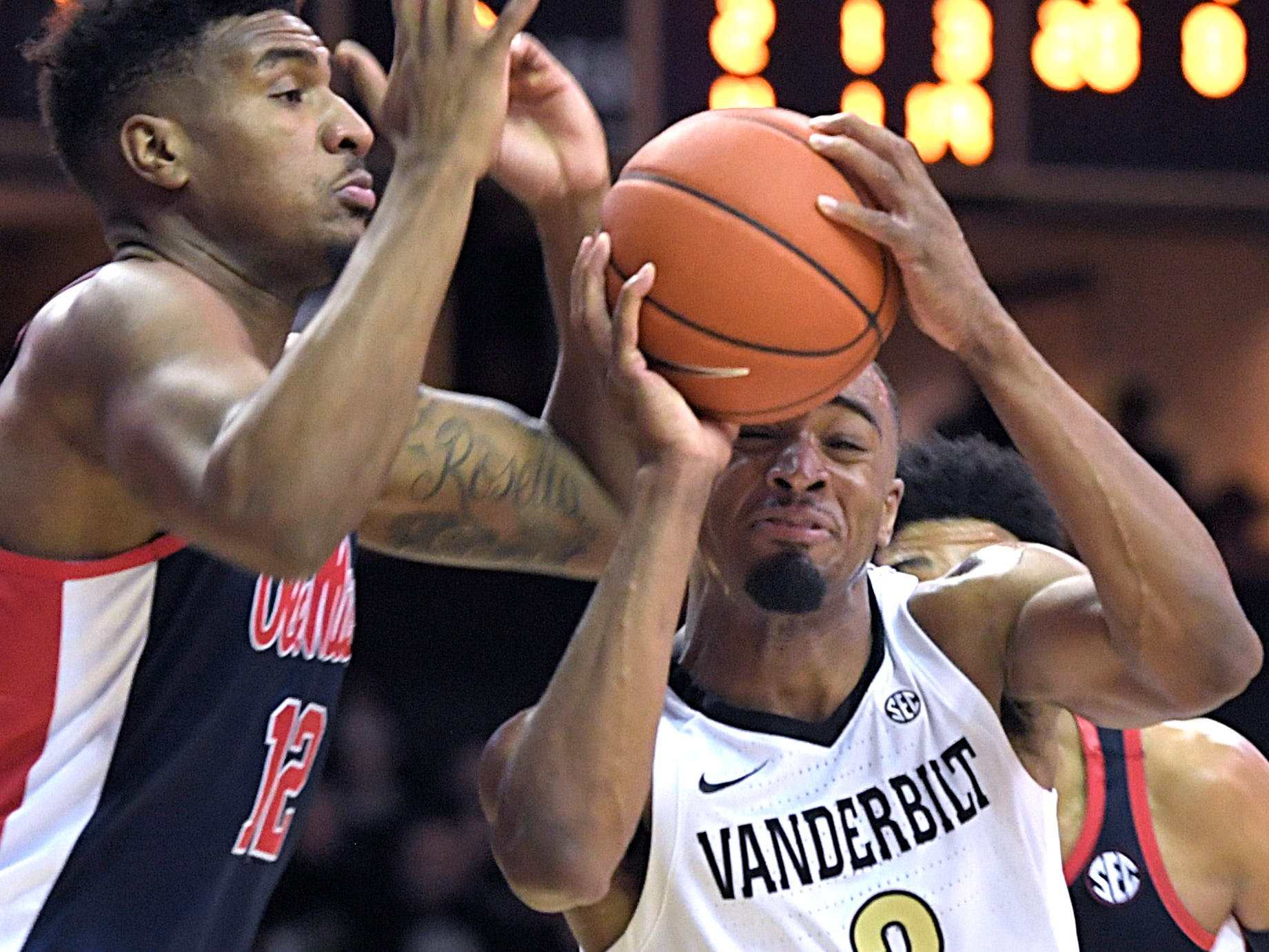 Vanderbilt guard Joe Toye (2) drives to the basket against Mississippi forward Bruce Stevens (12) during the second half at Memorial Gym in Nashville on Saturday, Jan. 5, 2019.