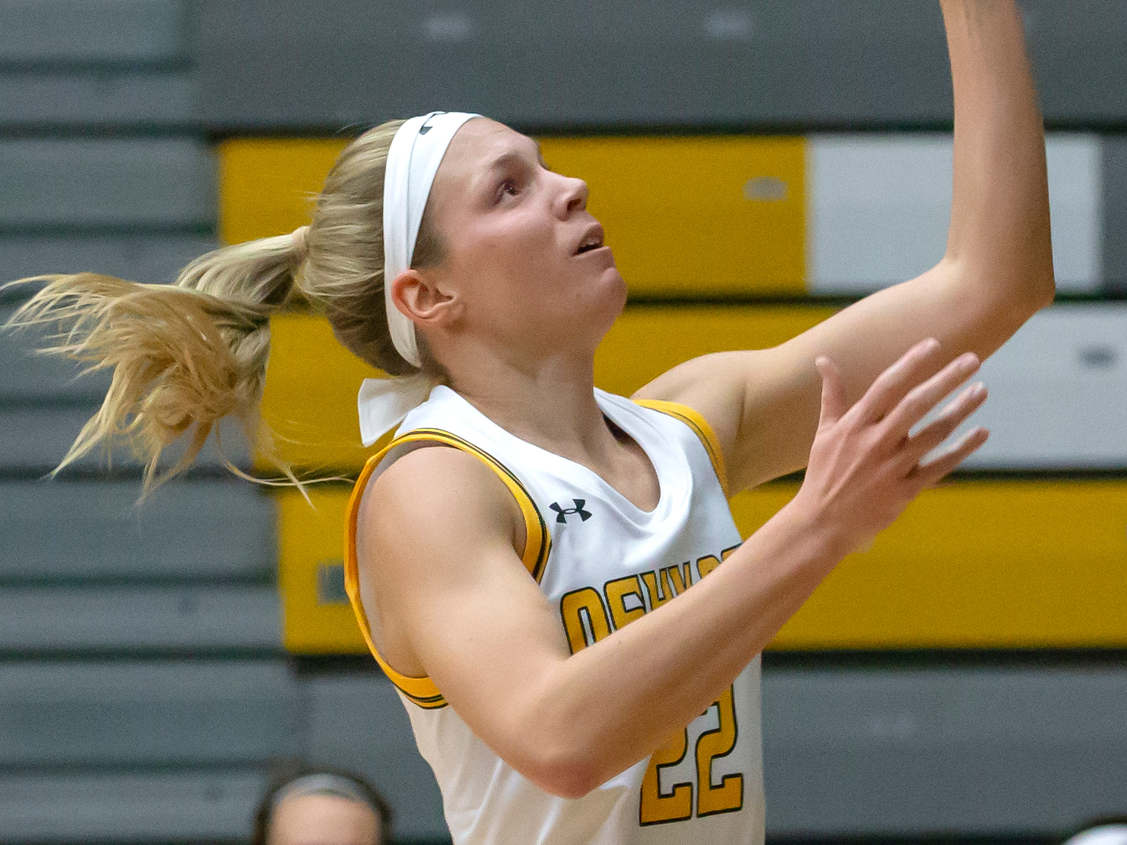 UW-Oshkosh's Melanie Schneider (hometown Fond du Lac) goes up and in for a basket at the Kolf Sports Center on Saturday, January 5, 2019.