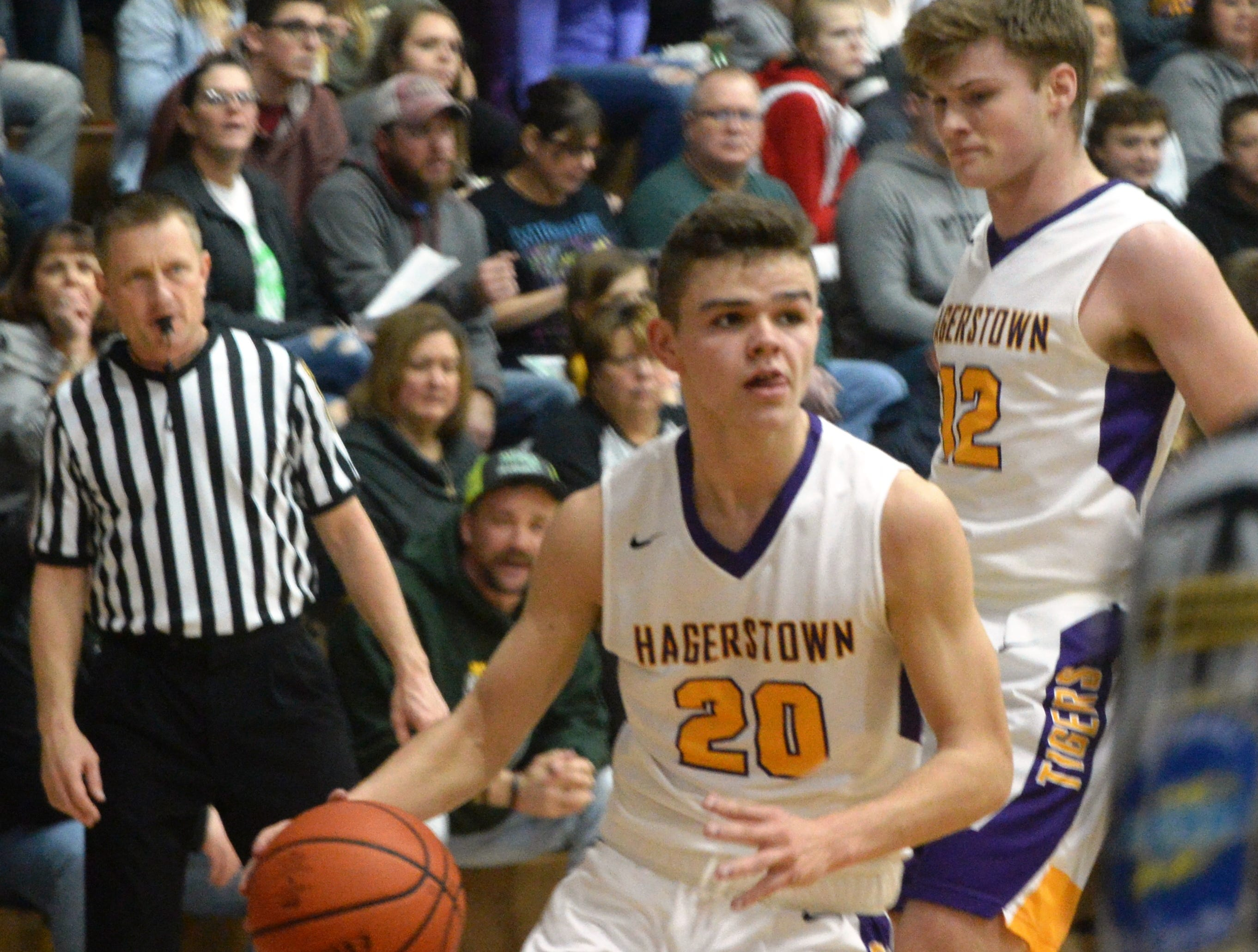 Hagerstown's Braden Himelick moves the ball during the Wayne County boys basketball championship at Hagerstown Saturday, Jan. 5, 2019. Hagerstown defeated Northeastern 37-35 to win the girls' title, and Northeastern beat Hagerstown 60-49 in the boys championship.