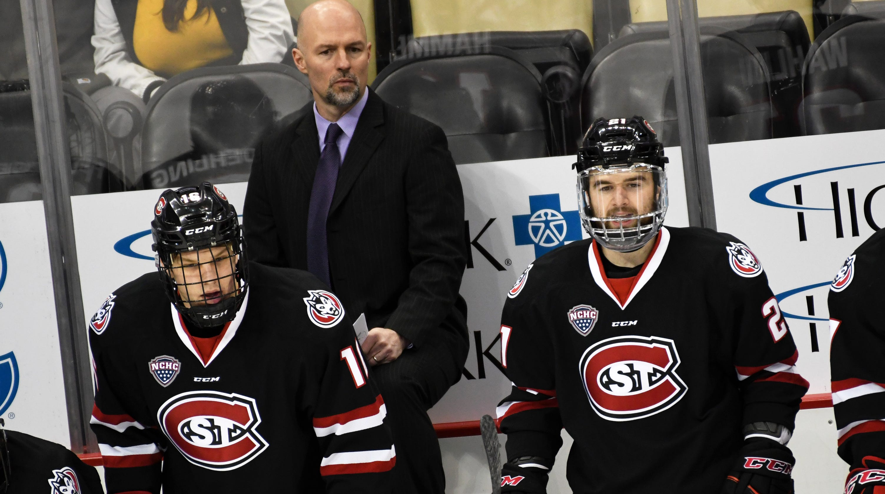 SCSU hockey coach expects an intense homecoming at UMD