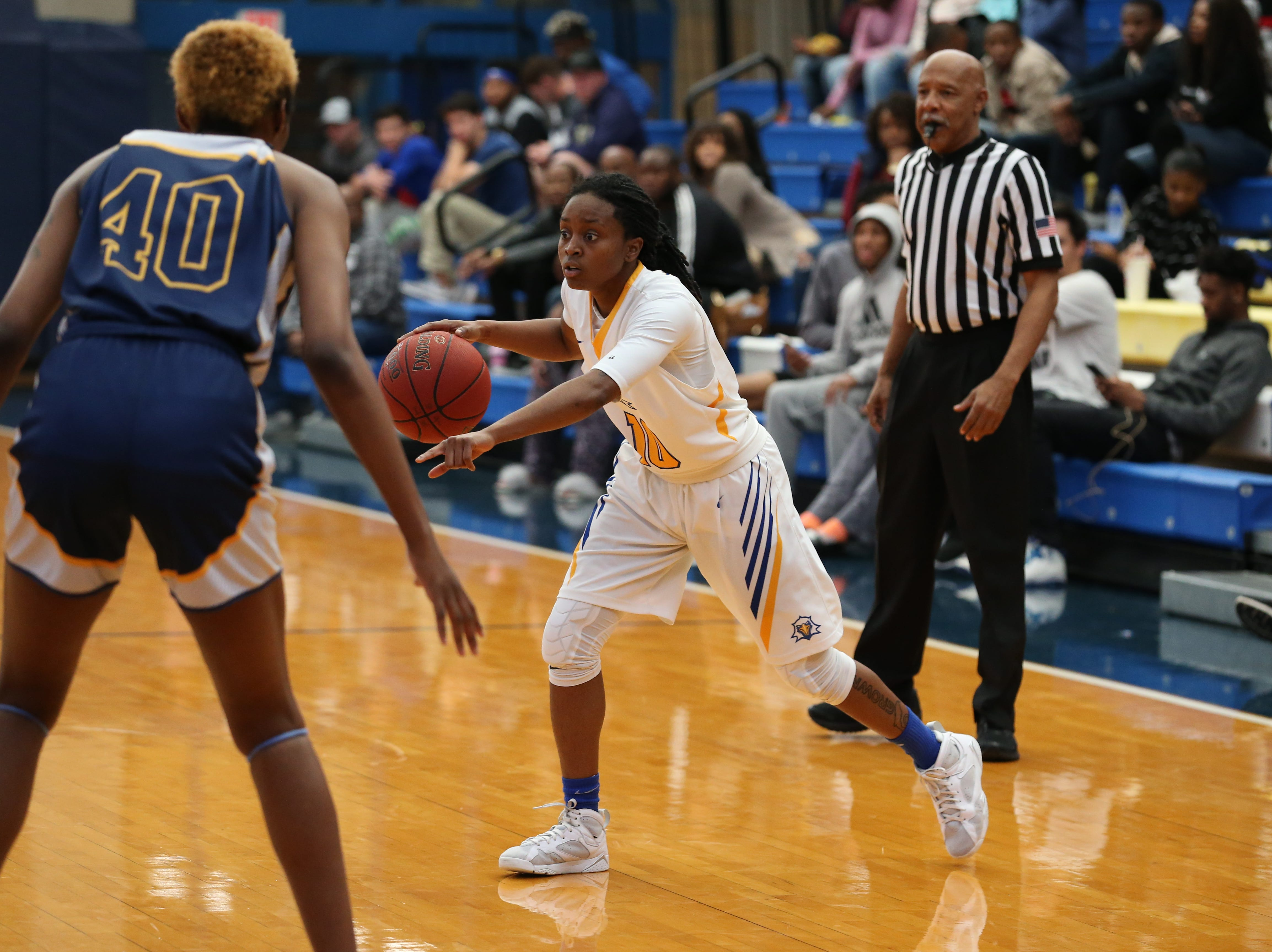 Tallahassee Community College Eagles Tameria Johnson (10) calls a play. The Tallahassee Community College Eagles host the Gulf Coast State College Commodores in a conference match-up in the Eagledome, Saturday, Jan. 5, 2019.