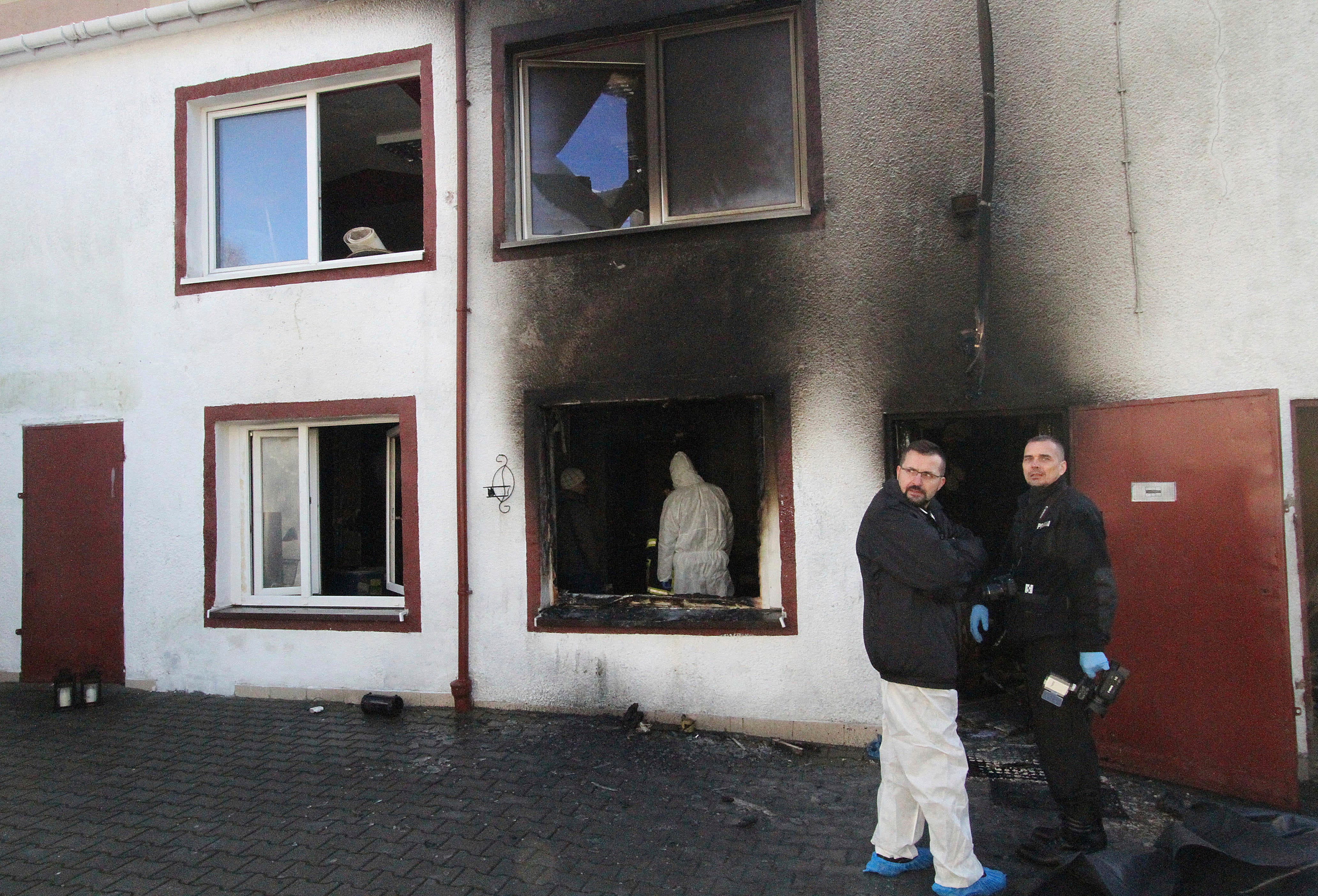 Poland shuts down 13 escape rooms after 5 teens killed in fire