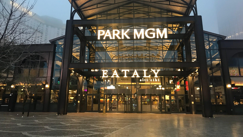 Cool Eataly Las Vegas Popular Italian Food Market Opens In Park Download Free Architecture Designs Scobabritishbridgeorg