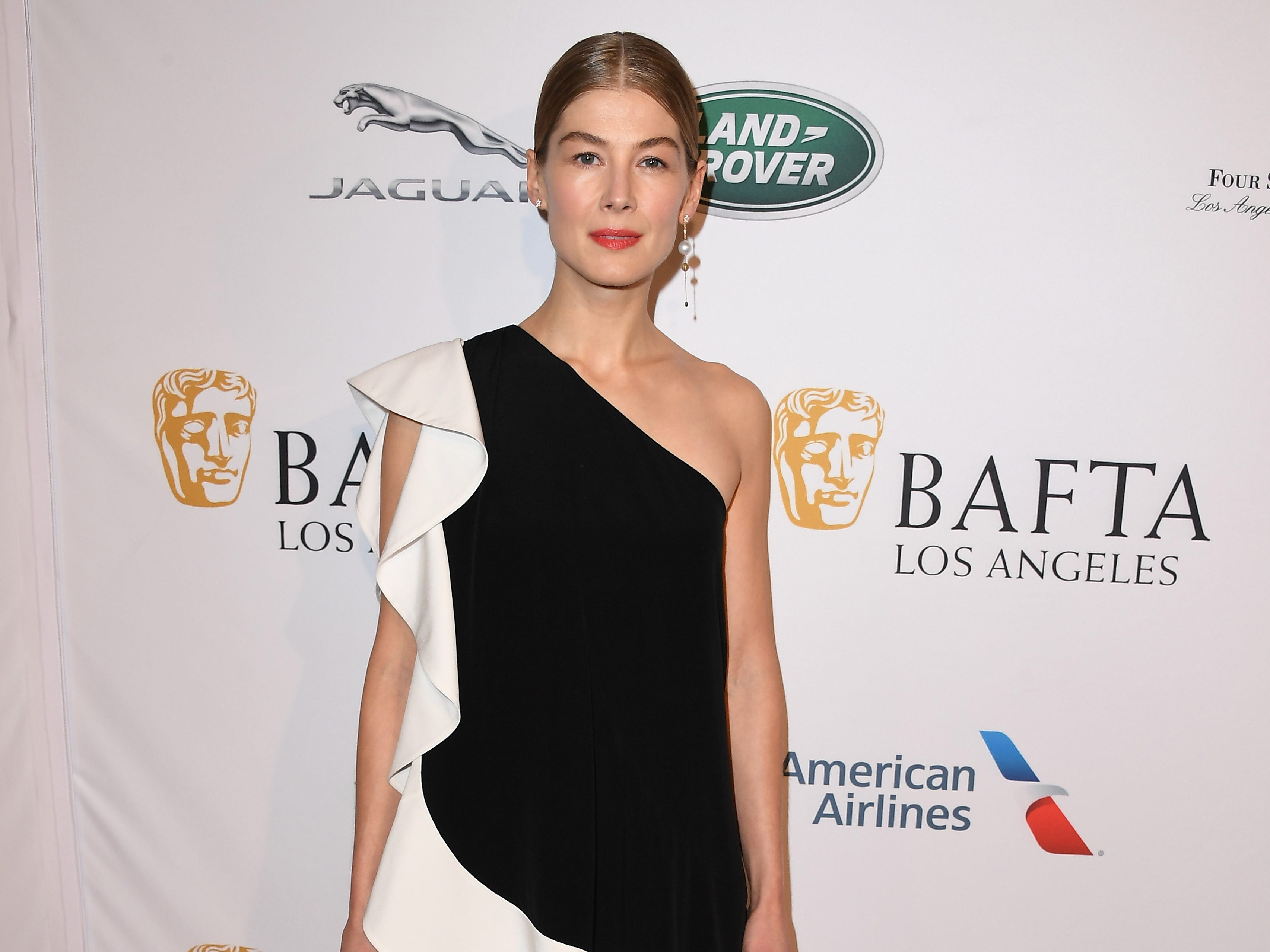 LOS ANGELES, CA - JANUARY 05:  Rosamund Pike attends The BAFTA Los Angeles Tea Party at Four Seasons Hotel Los Angeles at Beverly Hills on January 5, 2019 in Los Angeles, California.  (Photo by Steve Granitz/WireImage) ORG XMIT: 775261683 ORIG FILE ID: 1077925826