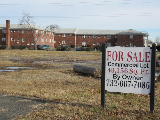 The Citivillage at Middlesex, a four-story apartment building, is proposed for the vacant lot next to the Gramercy Gardens development at the eastern end of Middlesex Borough on Route 28.