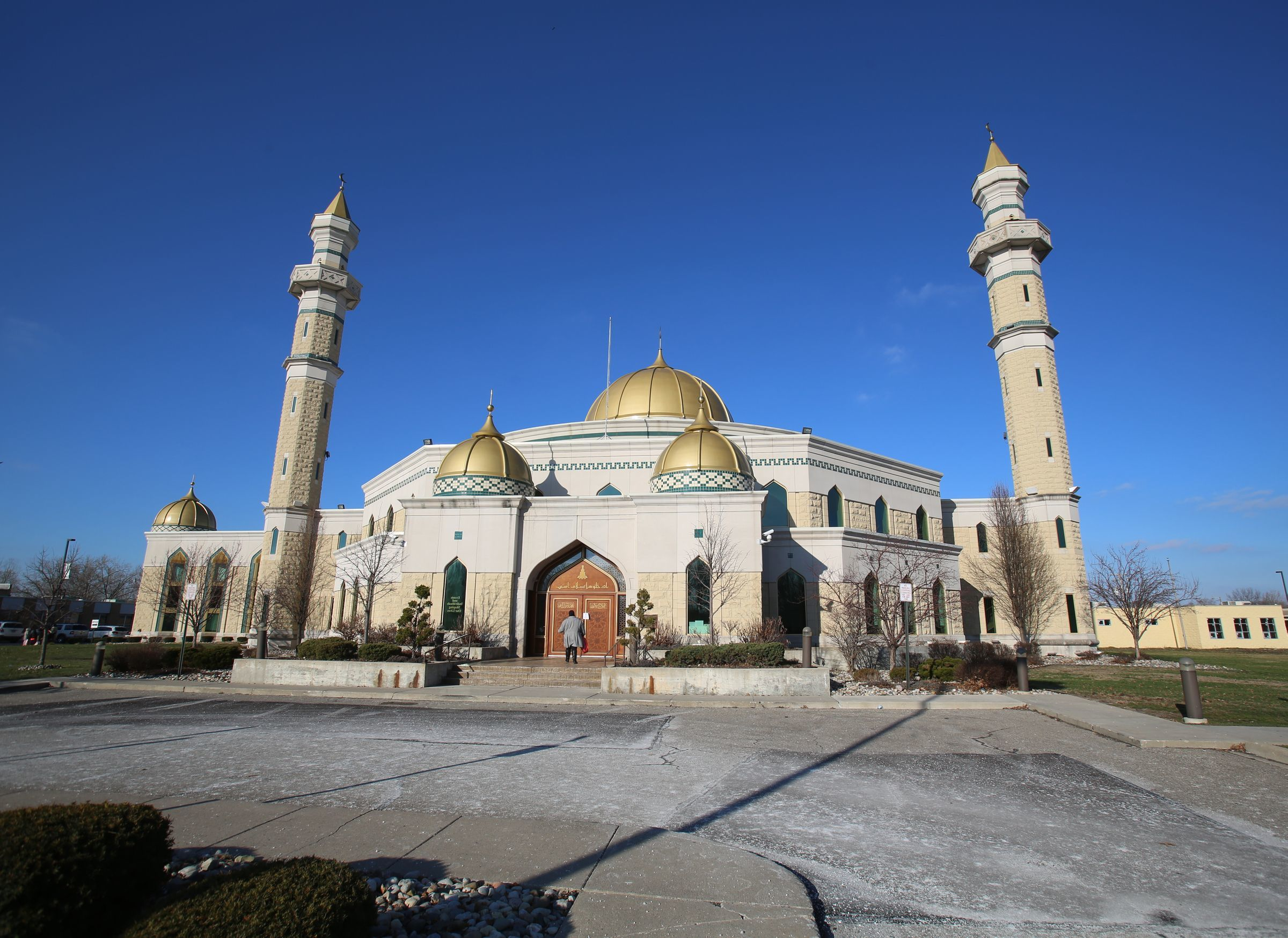 The Islamic Center of America in Dearborn has canceled Friday prayers amid concerns over coronavirus. Photo from Jan. 2, 2016.