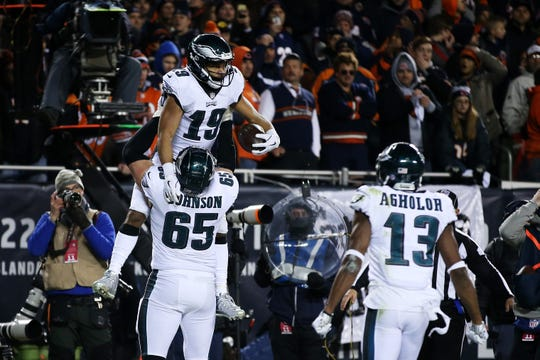 Golden Tate scored the winning touchdown for the Eagles in the NFC wildcard game at Chicago.