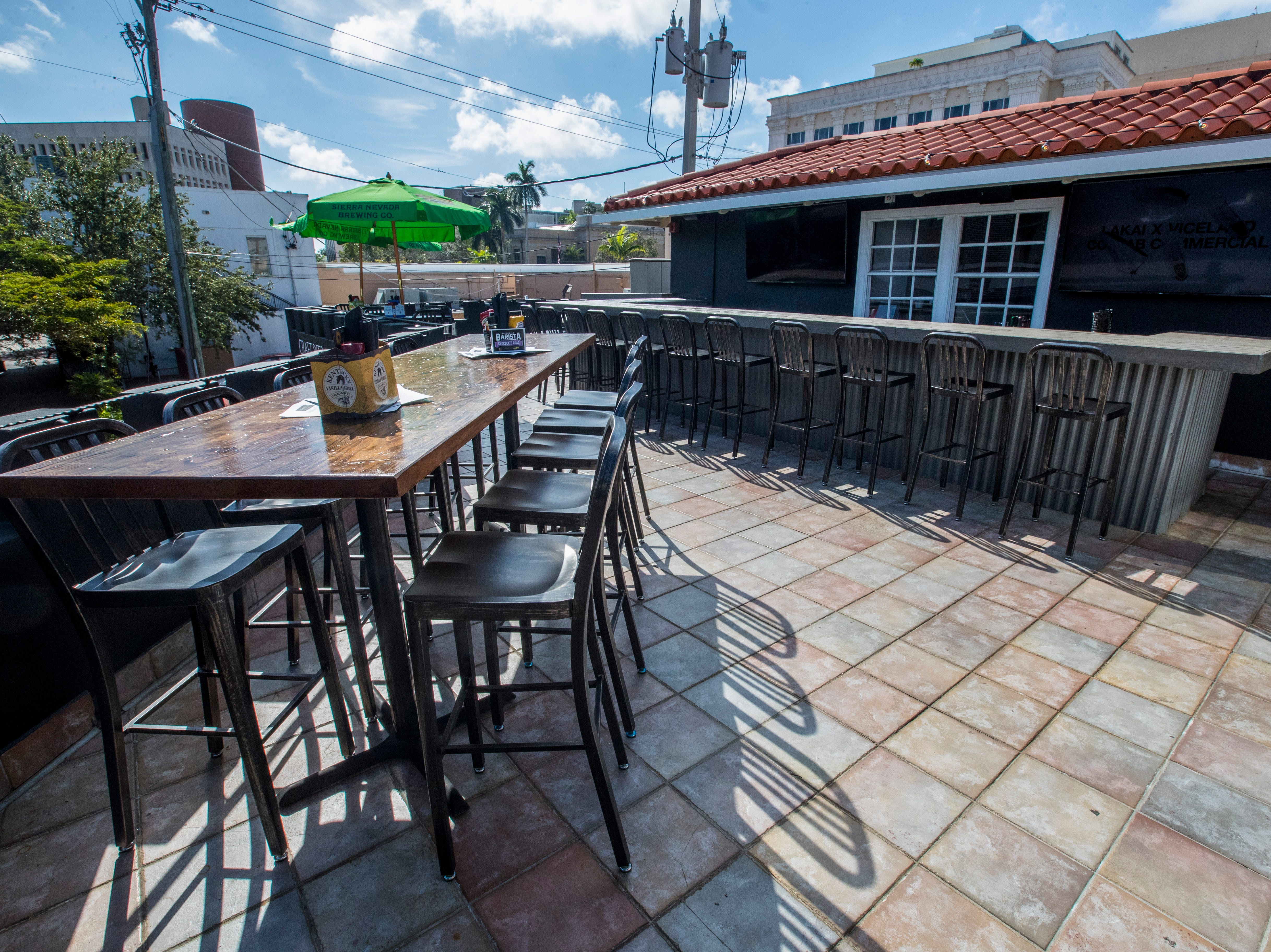Second story rooftop bar and restaurant area. Owners Chad and Amber Zollinger just opened their second spot for their popular restaurant, 10 Twenty Five. The restaurant is opening in downtown Fort Myers, making it the second location for the local restaurant, which opened its first store in Cape Coral in fall 2016.