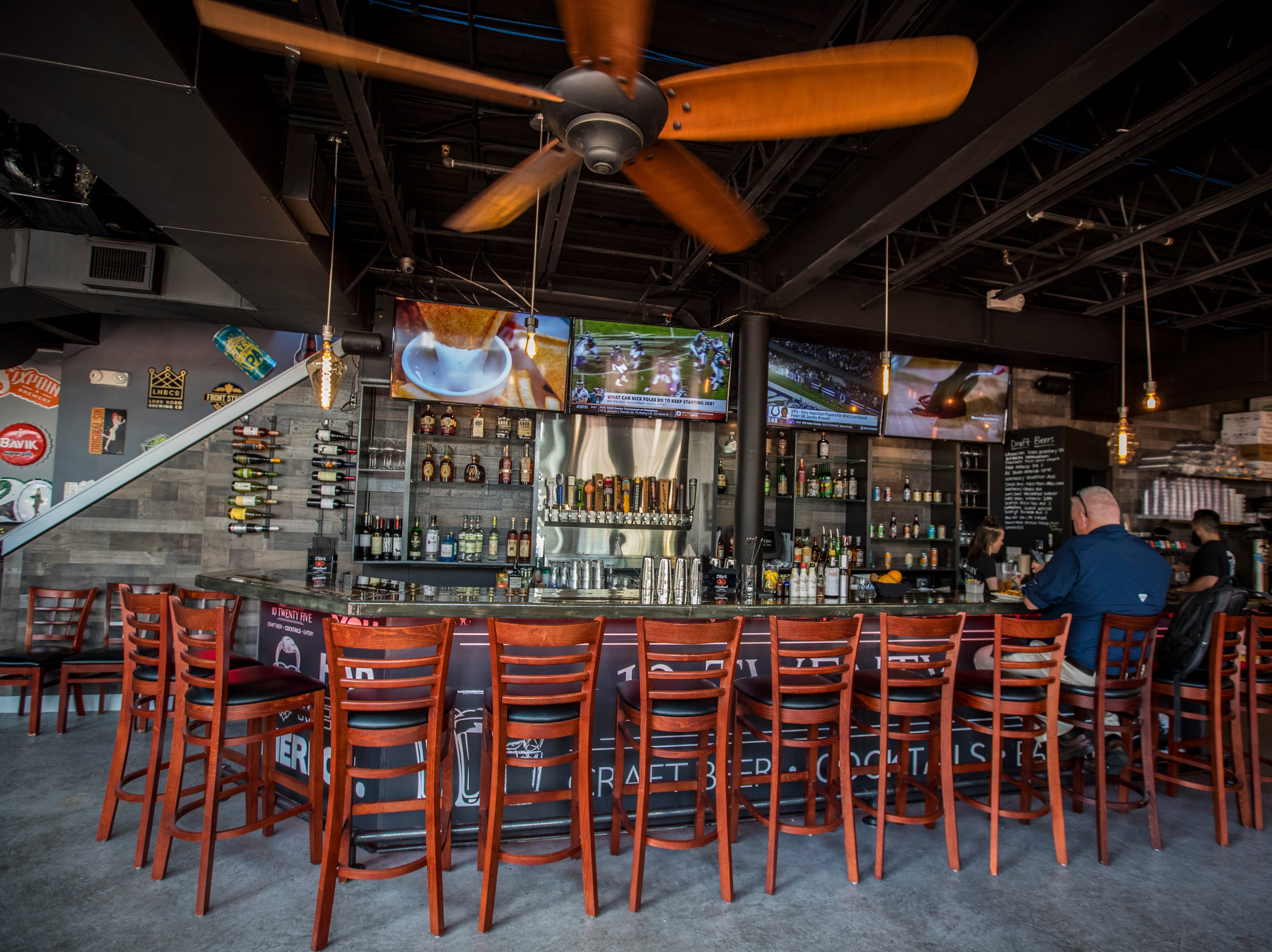 Downstairs bar and restaurant area. Owners Chad and Amber Zollinger just opened their second spot for their popular restaurant, 10 Twenty Five. The restaurant is opening in downtown Fort Myers, making it the second location for the local restaurant, which opened its first store in Cape Coral in fall 2016.
