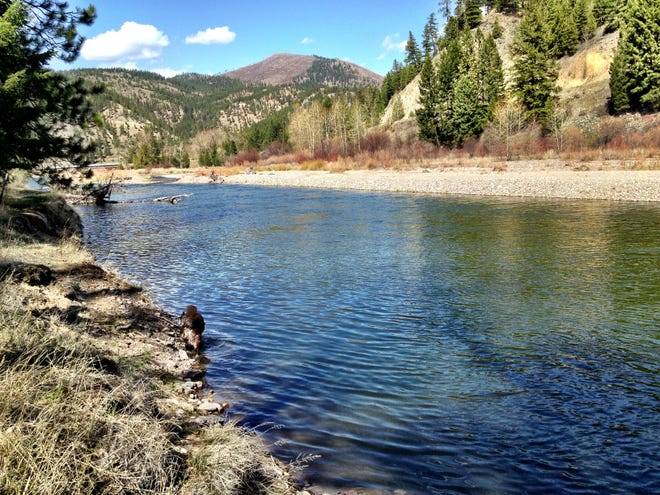 Clark Fork River that offers fishing and floating opportunities at Beavertail Hill State Park
