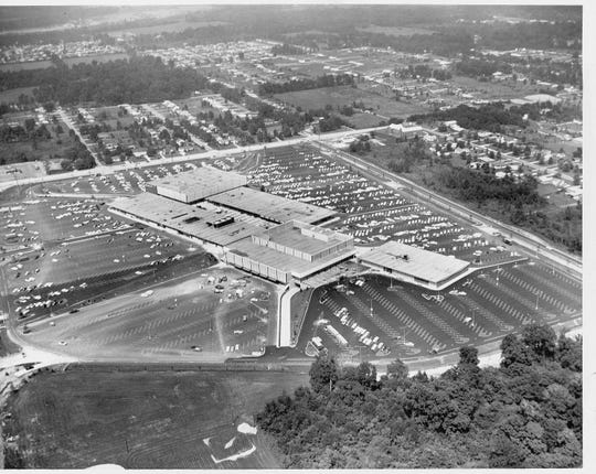 Aerial photo of Glendale Center during its grand opening on Aug. 13, 1958. 62nd Street runs left to right at top of photo. Rural Street is at the right.