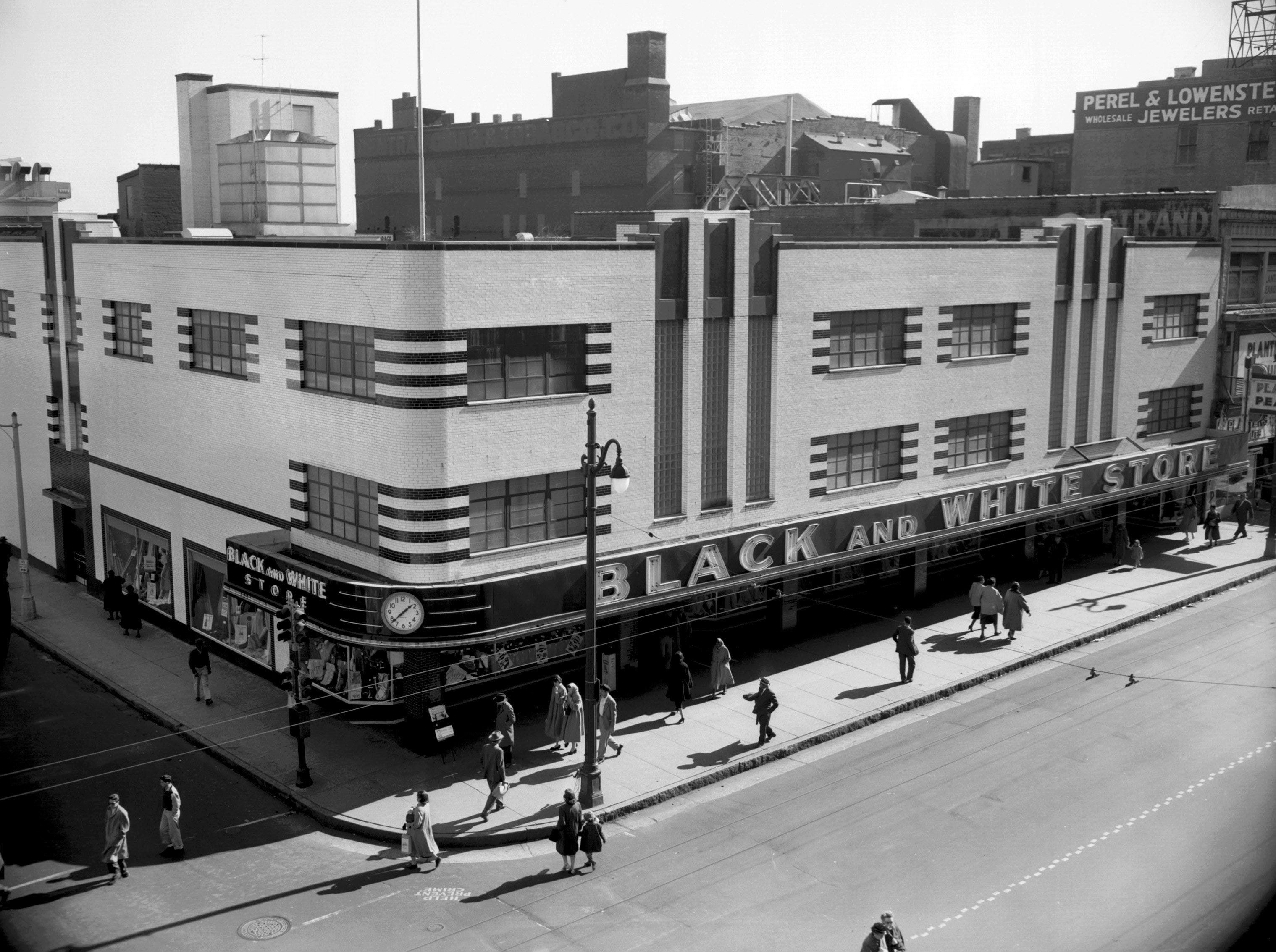 Black and White Stores, with the end of World War II, improved the southeast corner of Main and Gayoso with a modern department store costing more than $1,000,000. Photograph was published February 7, 1954.