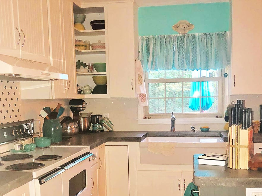 Kathleen Walter brought together a large collection of vintage items to create her new retro 1950s kitchen.
