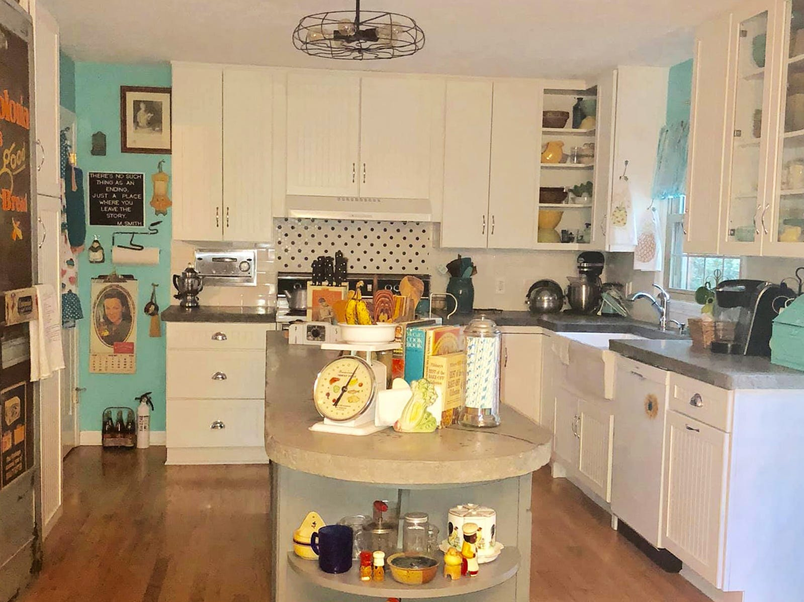Kathleen Walter new retro 1950s kitchen allows friends and guest to step back in time.