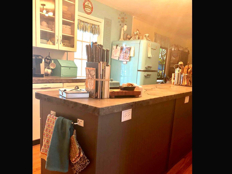 Kathleen Walter designed her new retro 1950s kitchen.