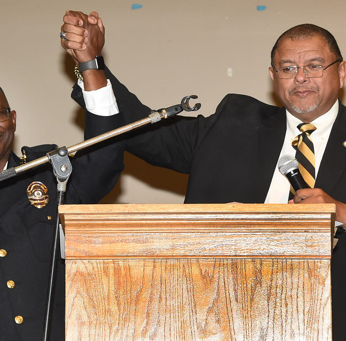 New mayor, police chief promise to improve  trust, safety