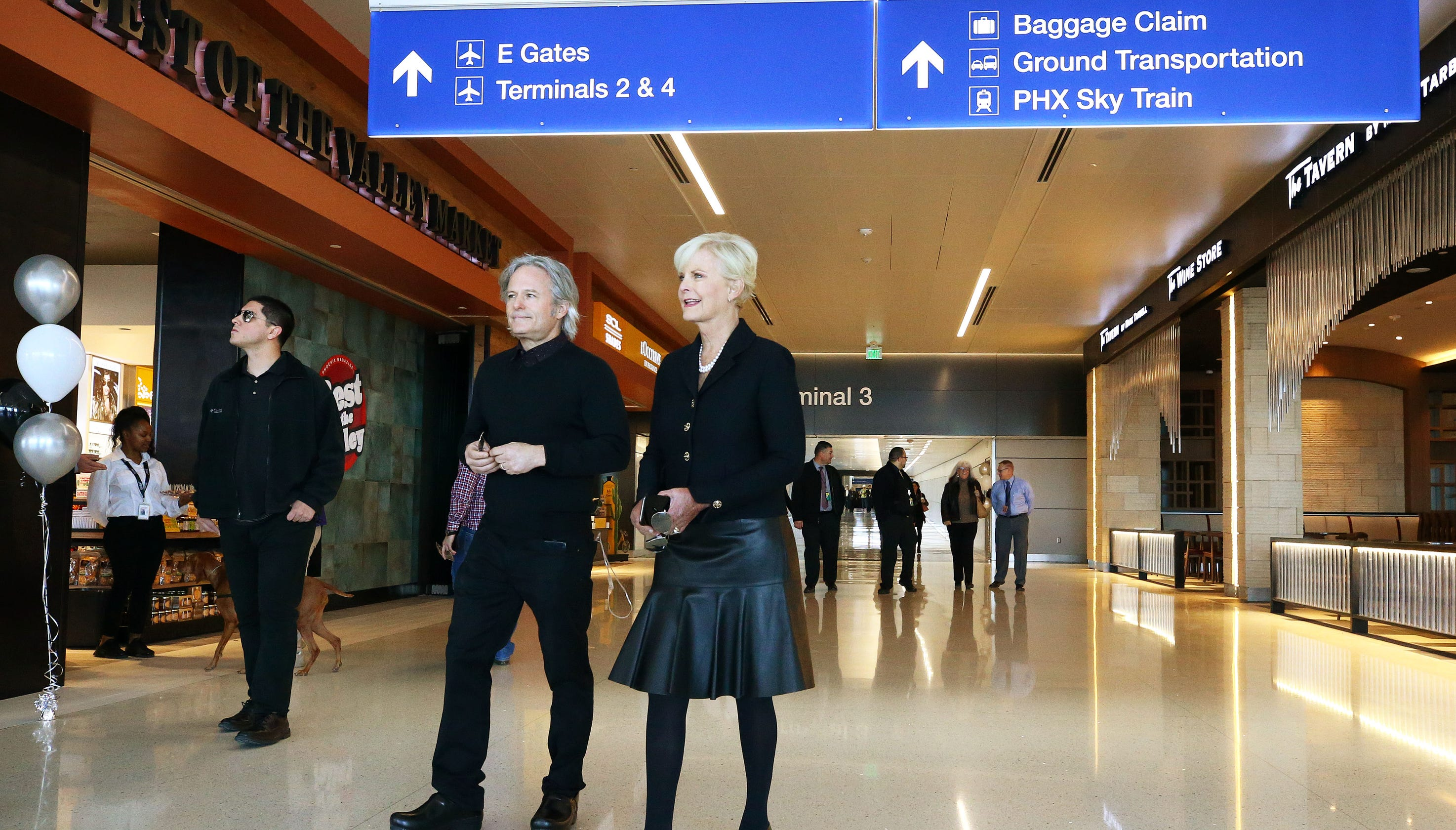 Phoenix Sky Harbor Airport renames terminal for Sen  John McCain