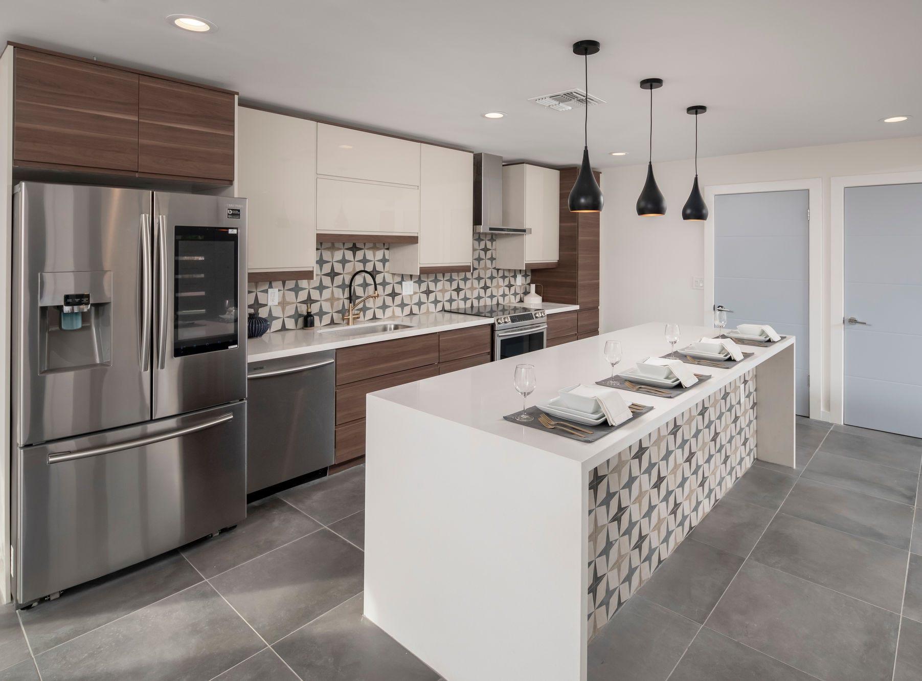 Midcentury meets modern in this kitchen.