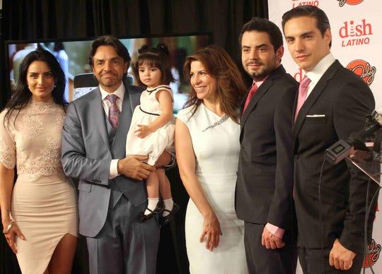 Eugenio confirma viaje con toda su familia, aunque no mencionó si es para grabar un reality o simplemente son vacaciones.
