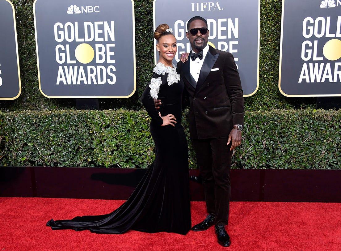 Ryan Michelle Bathe (izq) y Sterling K. Brown asiste a la 76ª entrega anual de los Globos de Oro en el Beverly Hilton Hotel el 6 de enero de 2019 en Beverly Hills, California.