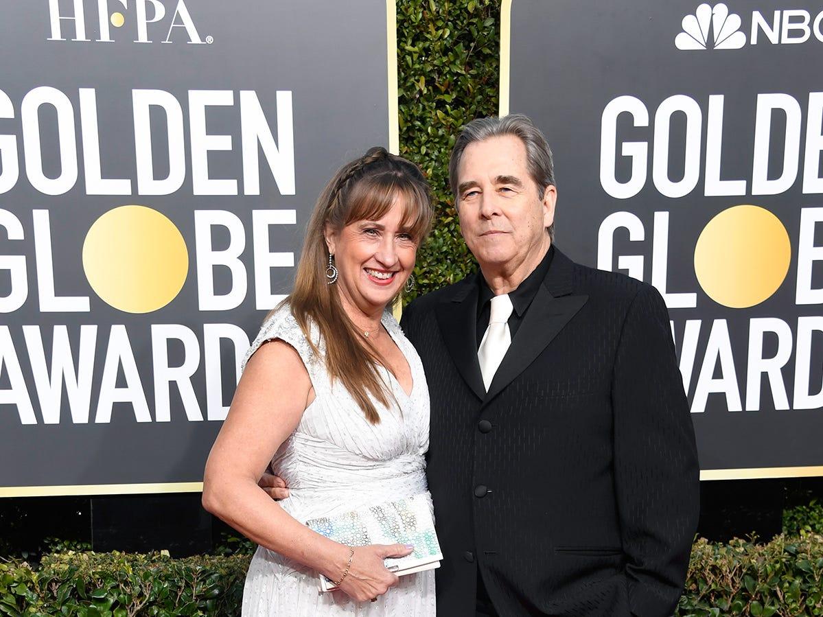 Wendy Treece Bridges (izq) y Beau Bridges asisten a la 76ª entrega anual de los Globos de Oro en el Beverly Hilton Hotel el 6 de enero de 2019 en Beverly Hills, California.